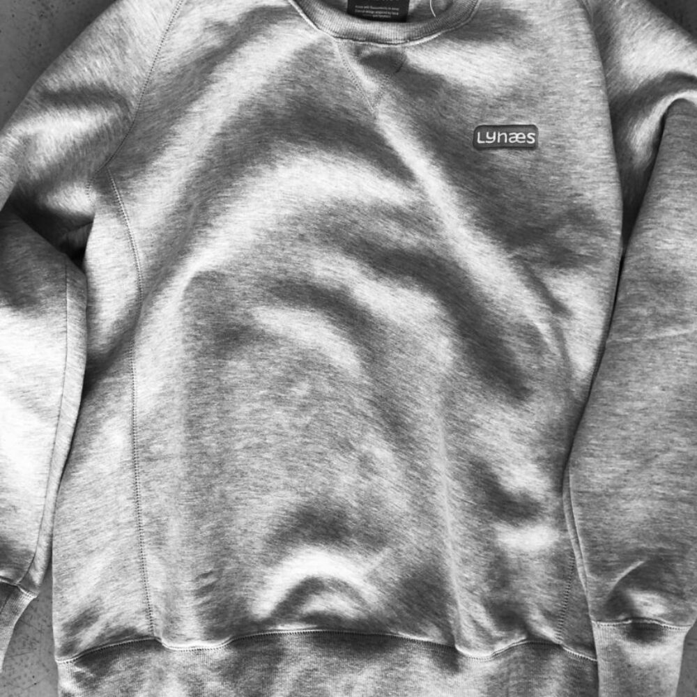 LYNÆS sweatshirt med broderi